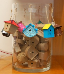papiermache vogelhuisjes
